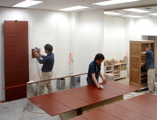 木材透明着色仕上げ〜家具の場合